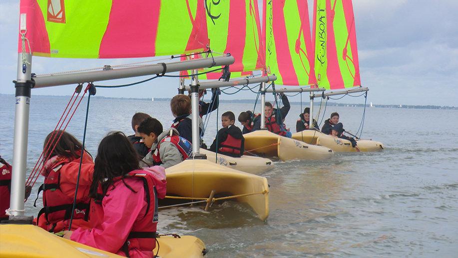 ecole-de-voile-stages-enfants-vacances-funboat